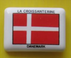 F�ve  perso Maifruico La Croissanterine - Drapeau Danemark R�f AFF 1993 16