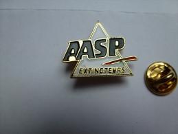 Pompiers SP , Extincteurs AASP , Agence Amélioration Sécurité Protection (A.A.S.P) à Saint-Jacques-sur-Darnetal - Brandweerman
