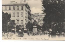- ALGERIE - CPA Vierge ALGER - Rue D´Isly - Statue Et Place Bugeaud (belle Animation Avec Tramway) - - Algerien