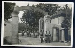 Cpsm  D' Algérie  Blida - Caserne Du 1er Régiment De Tirailleurs, Algériens   AA22 - Blida