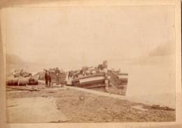 LYON  QUAI DE SAINT-CLAIR PENICHE  BATELIERS   (PHOTOGRAPHIE DE 1892 TOP RARE) - Other