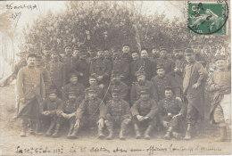 Carte-photo Militaires De La 22ème Compagnie Du 117ème, La 3ème Section Et Ses Sous-officiers Au Camp D'auvours - Uniforms