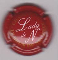 Capsule Champagne LE BRUN DE NEUVILLE ( 16 ; Cuvée Lady De N , Bordeaux  Or Et Blanc ) - {S36-15}. - Zonder Classificatie