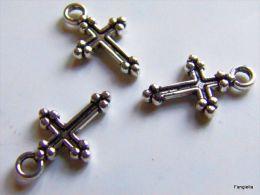 10 Breloques Petite Croix En Métal Argenté Belle Qualité Environ 15x9x2mm Recto-verso - Perles