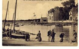 Cp , 44 , LE POULIGUEN , Le Port , Au Bord Du Quai , Pêcheur , Ed : Chapeau 55 , Voyagée 1930 - Le Pouliguen