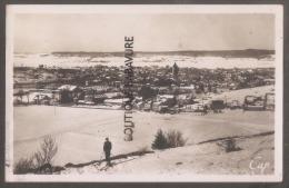 25 - PONTARLIER--Vue Générale Sous La Neige -homme En Ski--cpsm Pf - Pontarlier