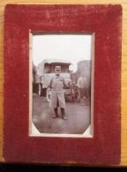 Petite Photo Poilu Devant Un Berthier / 14-18 / WW1 - 1914-18