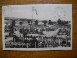 Verdun Vue Générale Du Cimetière Militaire Au Centre Autour Du Calvaire Les Tombes Des 7 Soldats Inconnus - Verdun