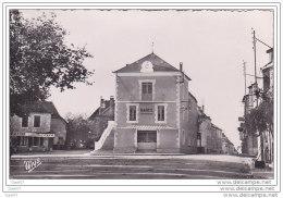 Cpsm Réf-JP-T895 (  Dép-46 ) La Mairie De LABASTIDE -MURAT  à Gauche  Le CAFE La Boule D'OR - France