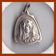 Médaille Religieuse Ancienne Argent ND Notre Dame Vierge à L'enfant Catholique  Etat TTB - Religion & Esotérisme