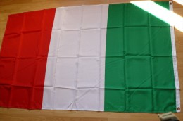 Italie - Drapeau 155 X 90 Cm - Neuf - Drapeaux