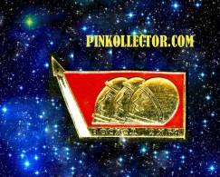 Rare Pin.Space. VOSKHOD 2.1964.Original Badge. - Space
