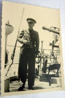 2 GUERRA ITALO ETIOPIA -MARINA MILITARE PARTENZA TRUPPE FASCISTE PER LA GUERRA (BARI??) N° 9 UFFICIALE - Guerre, Militaire