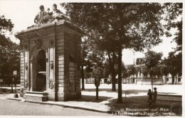 FRANCE - ROCHEFORT-sur-Mer La Ponaine Et La Place Colbert RPPC - Rochefort