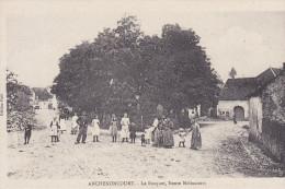 ANCHENONCOURT  Le Bosquet Route De Melincourt. Belle Animation. - France