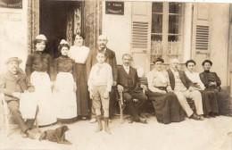 VICHY  CARTE PHOTO EMPLOYEES D'UN HOTEL ? - Vichy
