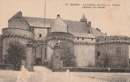 Cpa N° 227 NANTES Le Château Des Ducs De Bretagne L ´ Entrée - Nantes