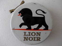 Boite Métal. Cirage Lion Noir - - Cajas