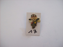 "PIN´S - SEGA Sonic  Super Mario "" Moto "" -   Voir Photo (17 ) - Spelletjes"