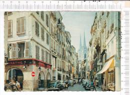 BAYONNE    -   La   Rue   Du  Port  Neuf  Et La  Cathédrale -  Véhicules  Anciens - Autres Communes