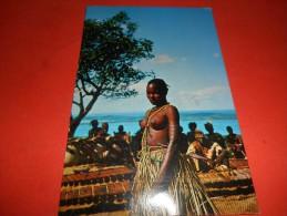 B605 Mozambico Zavala Dancing Girl Residui Carta Al Retro Cm9,5x14 - Mozambico