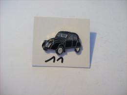 PIN´S -  2 Ch - La Duduche !!!! La 2 Chevaux  Noir  -voir Photo ( 11 ) - Citroën