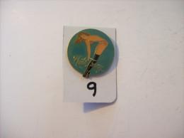 PIN´S -  Pin - Ups - Photo Fanny    ( 9 ) Voir Photo - Pin-ups