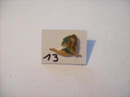PIN´S -  Pin - Ups - Avec Branche De Laurier Et Long Cheveux   ( 13 ) Voir Photo - Pin-ups