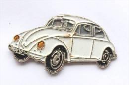 Pin's Volkswagen COCCINELLE Blanche - E311 - Volkswagen