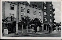 ! Ansichtskarte Aus Gdingen, Gdynia, Gotenhafen, Westpreußen, Polen, Poland, Pologne, 1944, Bahnhofshotel - Westpreussen
