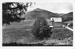 """FORET DE LENTE 26 - Le Chalet Du """" CLUB ALPIN """" Au Fond Signal De Montuez - CPSM Photo Noir Blanc Format CPA 1944 Drôme - France"""