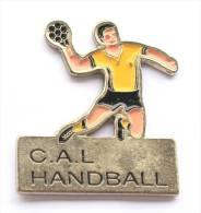Pin's C.A.L HANDBALL - Club Athlétique Lexovien - Le Joueur De Handball  - E356 - Handball