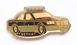 Pin's BERNAY (27) -  Taxi - Voiture MERCEDES ???  -  E374 - Cities