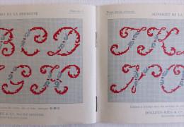 Ancien Album De Lettres Au Point De Croix D.M.C. Alphabet Monogrammes. En Rouge Et Bleu. Années 1920 - Point De Croix