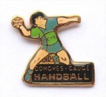 Pin's Handball - CONCHES CAUGE (27) -  Joueur De Handball - E391 - Handball