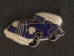 PIN DE UN COCHE CLASICO  (AUTOMOBILE-VOITURE) - Badges