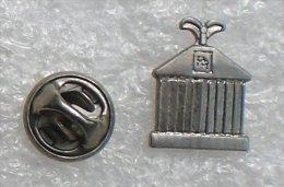 CALANDRE ROLLS ROYCE    VVV  052 - Pin's & Anstecknadeln
