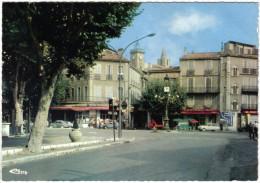 Carte Postale 13. Aubagne  Centre Ville Place Pasteur  Trés Beau Plan - Aubagne