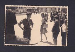 Photo Originale Format CPA - Saint Dizier - Marlene Dietrich Tournage Du Film Martin Roumagnac Avec Jean Gabin ( Cinema - Saint Dizier