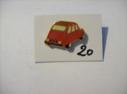 PIN´S -  2 Ch - La Duduche !!!! La 2 Chevaux C 6 - Rouge   -voir Photo ( 20 ) - Citroën