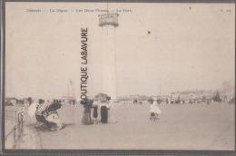 BELGIQUE--OSTENDE--La Digue --Les Deux Phares--le Port--animé - Oostende
