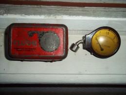 Ancien Contrôleur De Pression De Pneumatique FLUOR De Michelin Collection Garage - Autres Collections