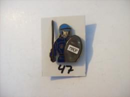"PIN´S - GENDARMERIE/ POLICE "" M.R.O.P France Interventions  ""   ( 47 ) Voir Photo - Politie"