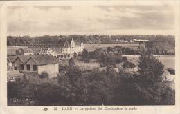 CAEN :  La Maison Des Etudiants Et Le Stade Hélitas - Caen