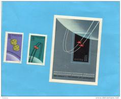 ESPACE-POLSKA- Bloc N°33+ 2 Timbres 1209-10 Neufs *** Sans Charnière Impeccables Cote En 2003 6,25 E - Space