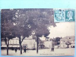 18 ,la Guerche Sur L'aubois ,la Place Du Marché - La Guerche Sur L'Aubois