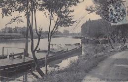 Bâteaux - Péniches Sur L'Ile Saint-Martin Oise - 1904 - Péniches
