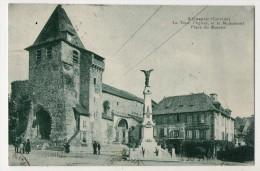 S1676 @ 19 @ ALLASAC @ BELLE CPA : LA TOUR, MONUMENT ET LE MARCHE @ A VOIR - France