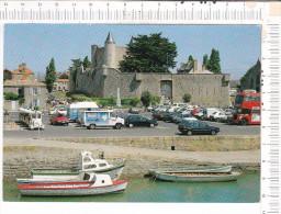 NOIRMOUTIER   EN  L  ILE    -    Le  Port   Et  Le   Château   -   Bâteaux   -   Barques   -    Véhicules  Anciens  - - Ile De Noirmoutier
