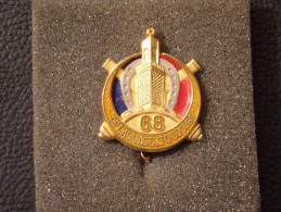 """Insignes Militaire """" 68e Régiment D'Artillerie D'Afrique """" Military Badges """""""" - RARE - Armée De Terre"""